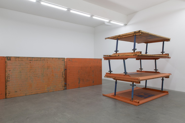 Matias Faldbakken & Leander Djønne Void to Void Installation view, Galerie Neu, Berlin 2017