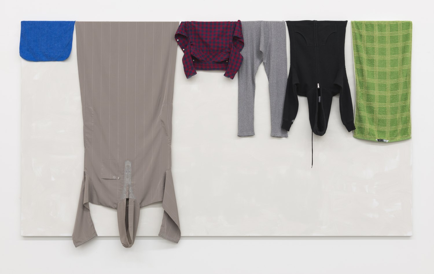 Claire Fontaine  Untitled (Hanging), 2016 House paint on canvas, clothing, towels and dishcloth, 160 x 300 x 3 cm