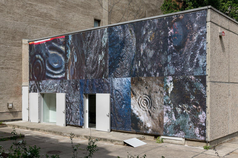 Installation view, Josephine Pryde, Exterior, Night, Day, Galerie Neu, Berlin 2020
