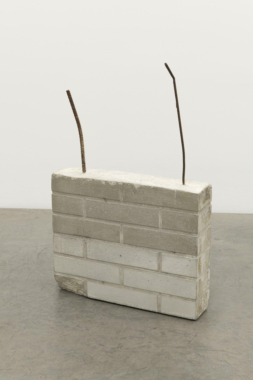 Manfred Pernice gebäude, 2020 steel, cast concrete 95 x 64 x 14 cm