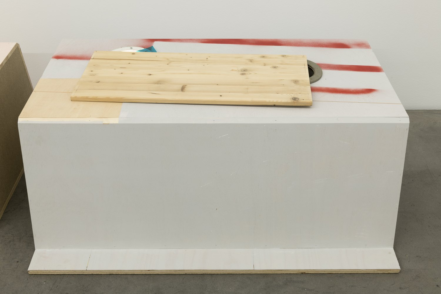Manfred Pernice Goethe VI, 2021 wood, LED lamps, electric cable, light dimmer, plastic 49 x 125 x 105 cm