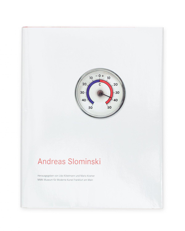 Andreas Slominski,Roter Sand und ein gefundenes Glück  Ed. by Udo Kittelmann & Mario Kramer, Catalogue, Museum Moderner Kunst. Frankfurt am Main 2007,187 p.  ISBN 978-3-86560-178-0