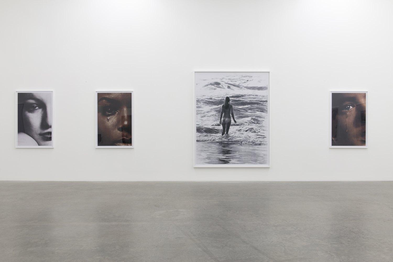 Anne Collier, installation view, Galerie Neu, Berlin 2016