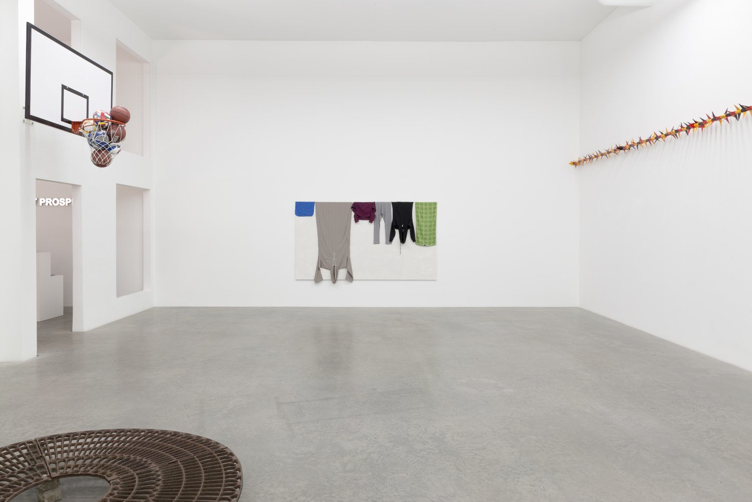 Claire Fontaine, May our enemies not prosper Installation view, Galerie Neu, Berlin 2016