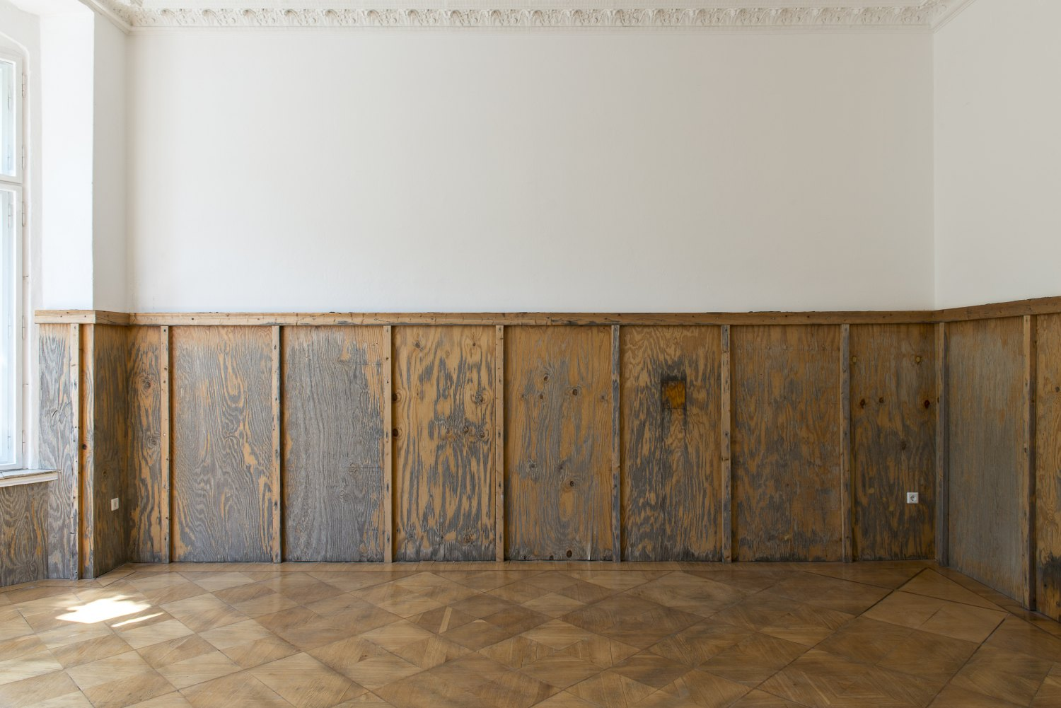 John Knight, A work in situ Galerie Neu / MD72, Berlin 2013