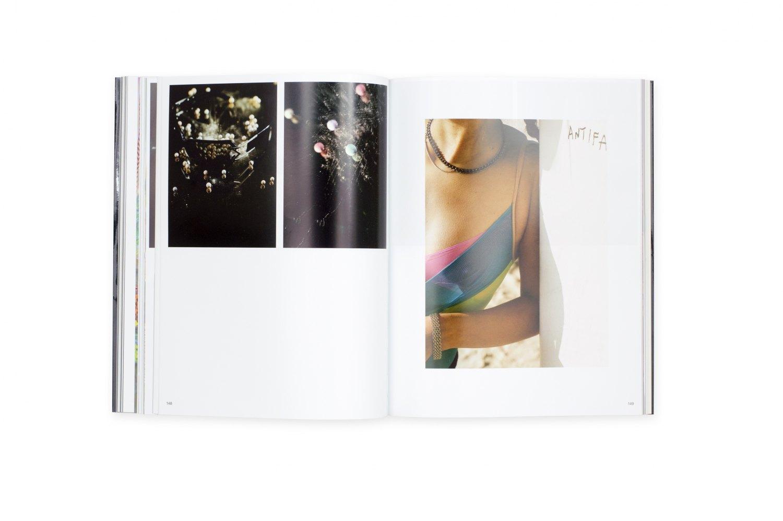 Josephine Pryde,The Enjoyment of Photography ed. by André Rottmann et al, Catalogue, Kunstverein für die Rheinlande und Westfalen, Düsseldorf/Bern 2012, 276 p.  ISBN 978-3-03764-411-9