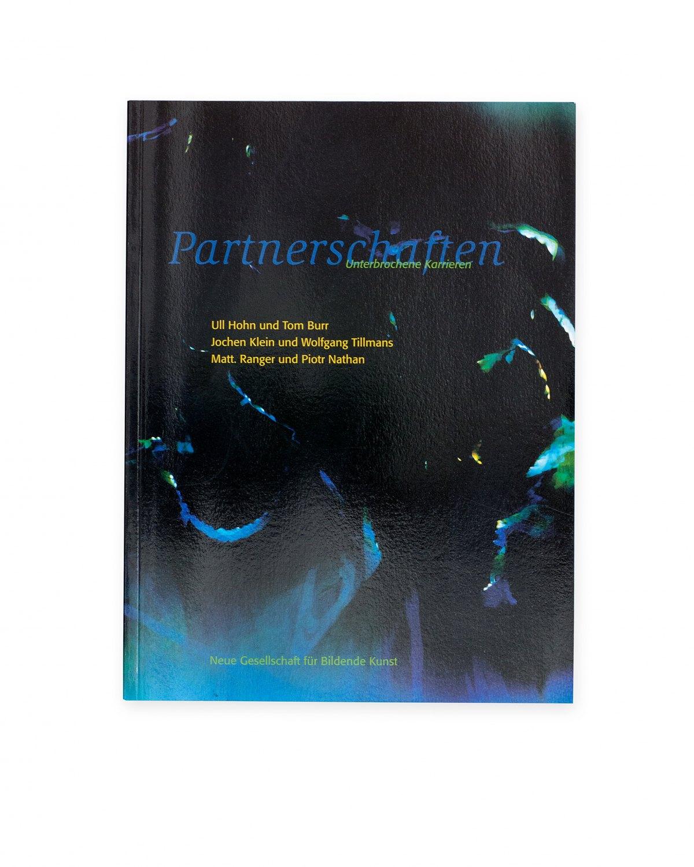 Ull Hohn,Partnerschaften – Unterbrochene Karrieren,  introd. by Kassandra Nakas, Catalogue, Neue Gesellschaft für Bildende Kunst, Berlin 2001/02, 120 p.  ISBN 978-3-92679-672-1